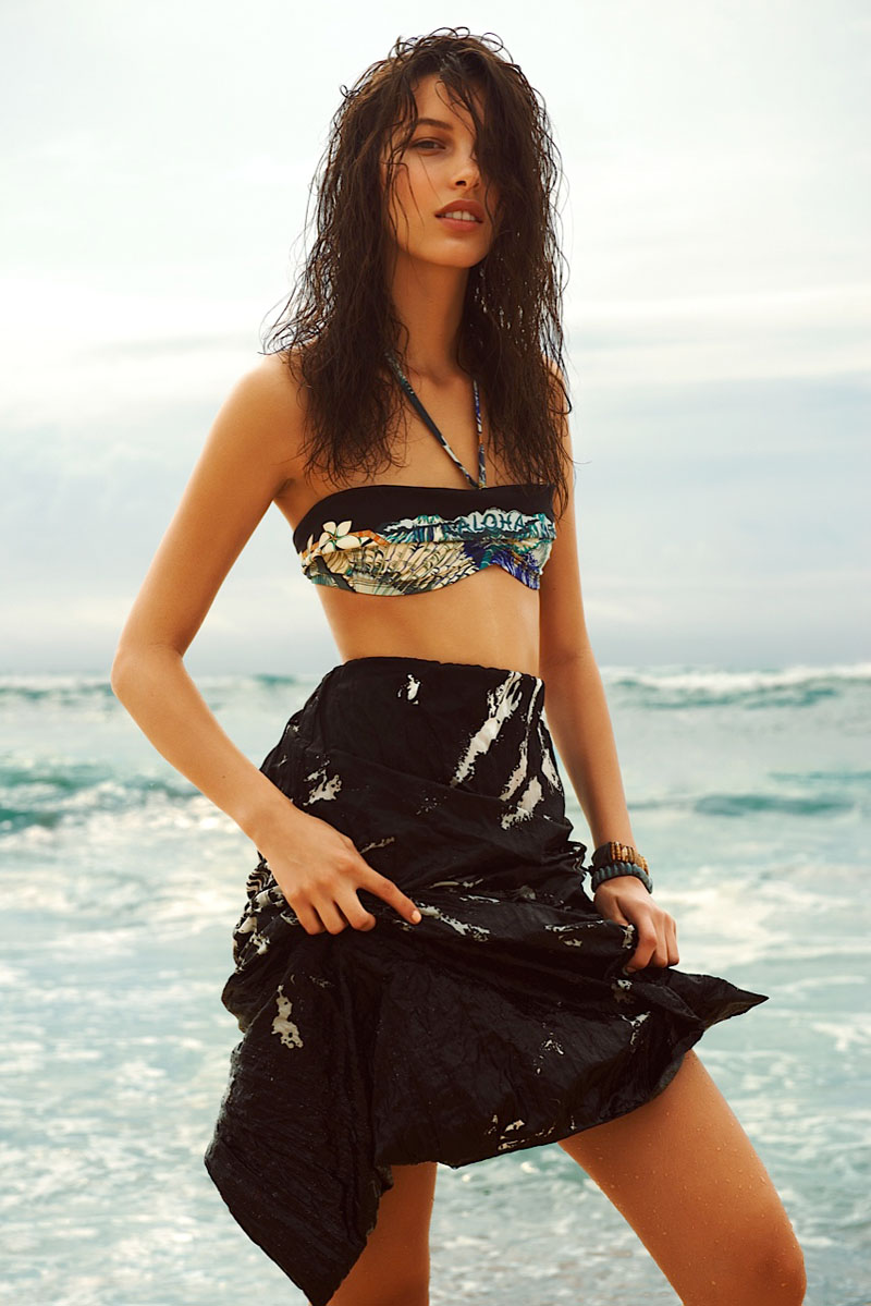 kate king beach1 Kate King is a Beach Beauty for Harpers Bazaar Latin America by Alexander Neumann