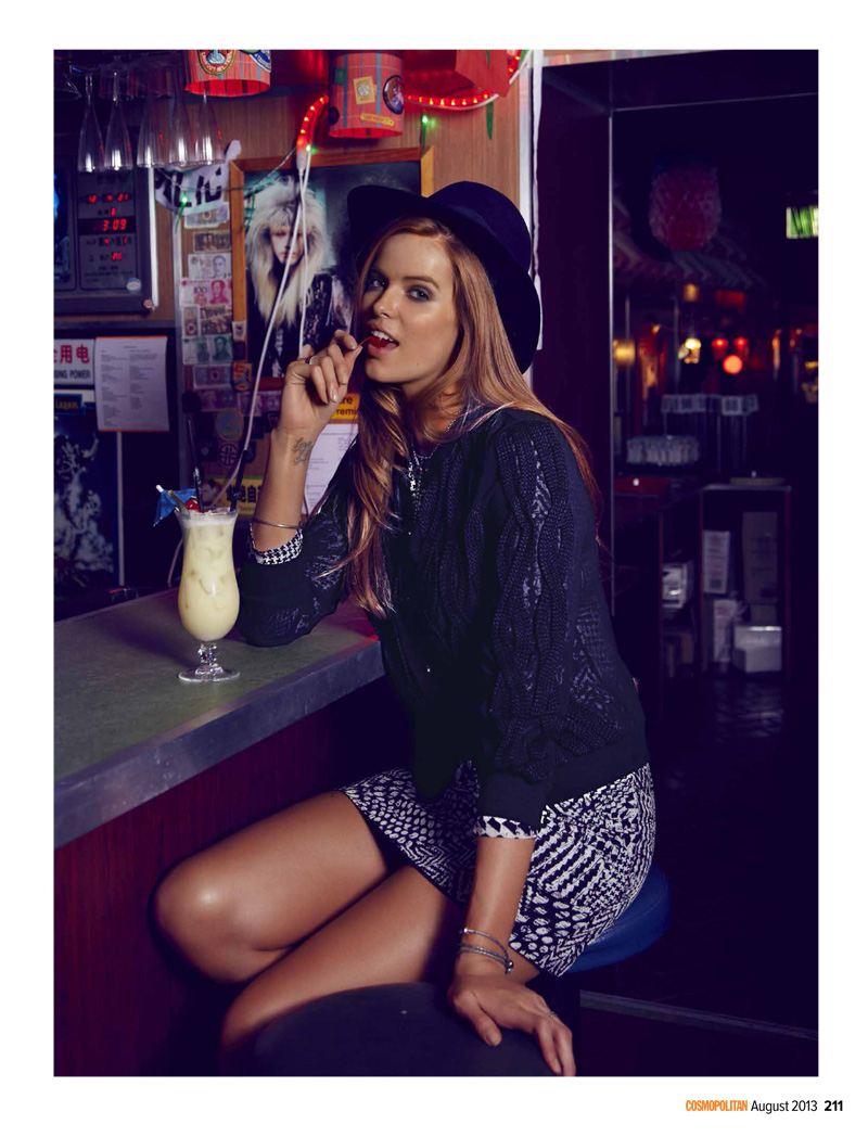 robyn happy hour5 Robyn Lawley Enjoys the Night Life for Cosmopolitan Australia August 2013
