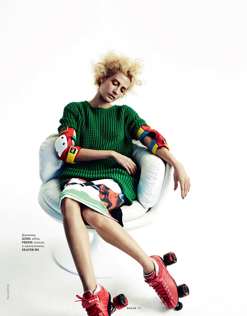rolling girls6 Caitlin Lomax and Ismini Are Roller Girls for Elle Ukraine by Tim Ashton