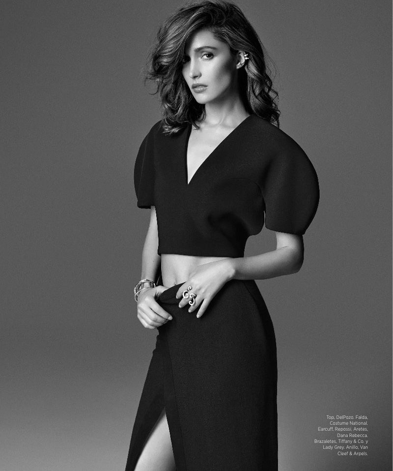Rose Byrne Poses in Harper's Bazaar Latin America August 2013 Cover Shoot