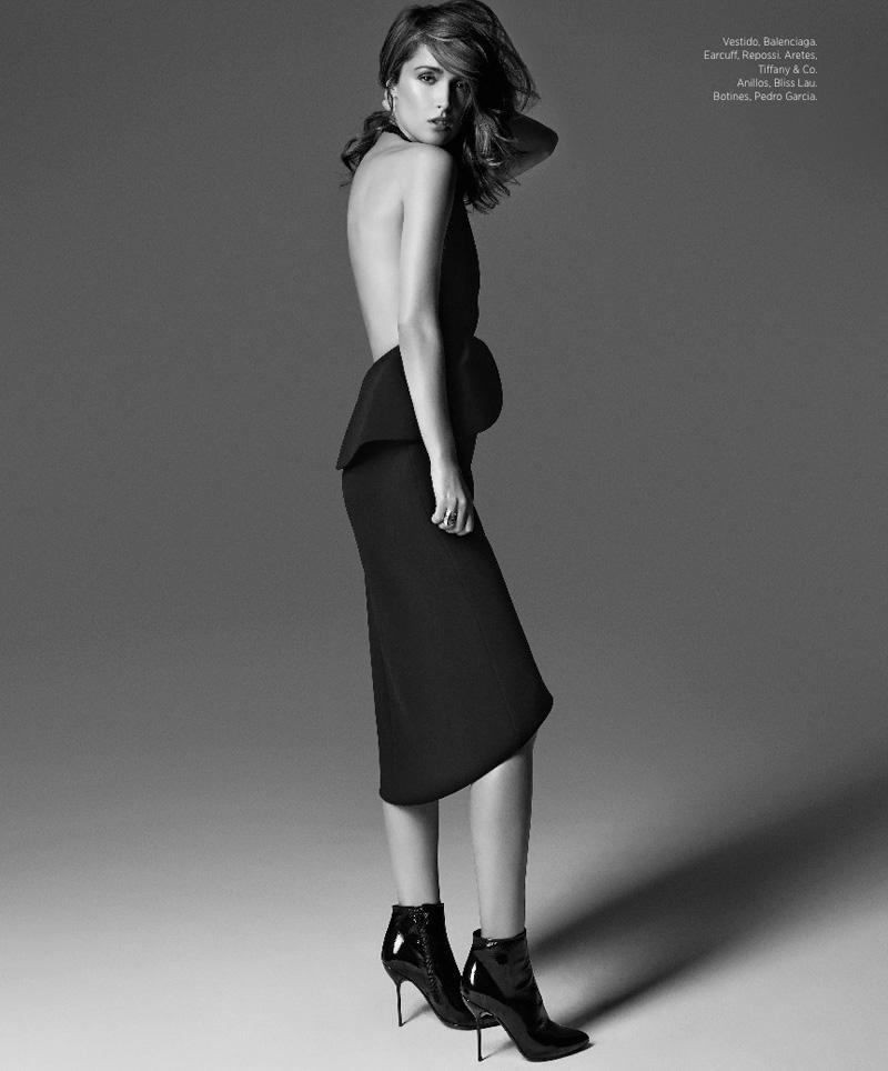 Rose Byrne Poses in Harper's Bazaar Latin America August 2013 Cover Shoot