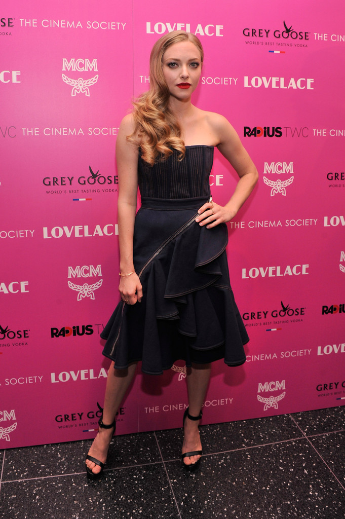 seyfried givenchy3 Amanda Seyfried Wears Givenchy to Lovelace New York Screening