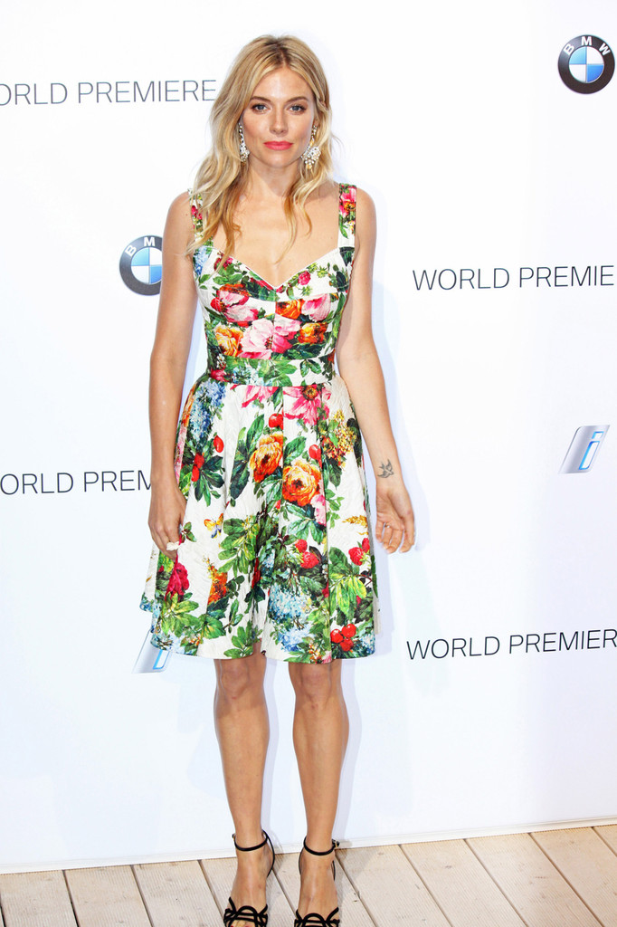 sienna miller dolce gabbana1 Sienna Miller Wears Dolce & Gabbana to the BMW i3 Party in London