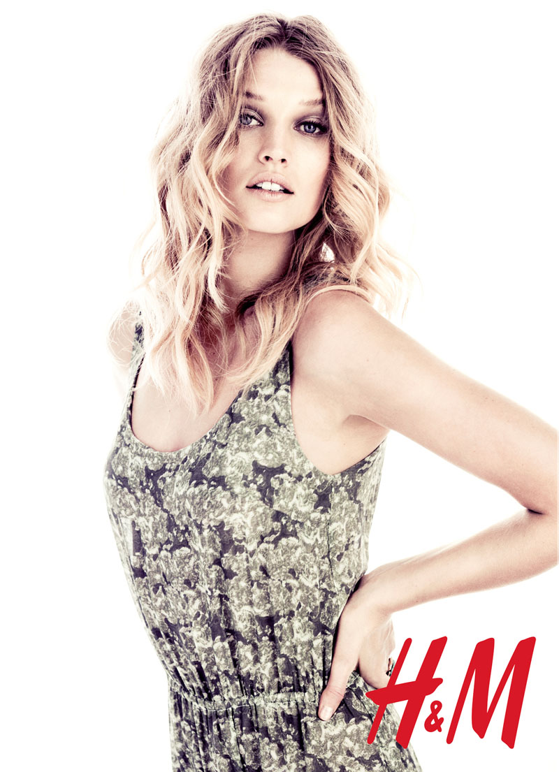 Toni Garrn Poses for H&M Summer Campaign by Honer Akrawi