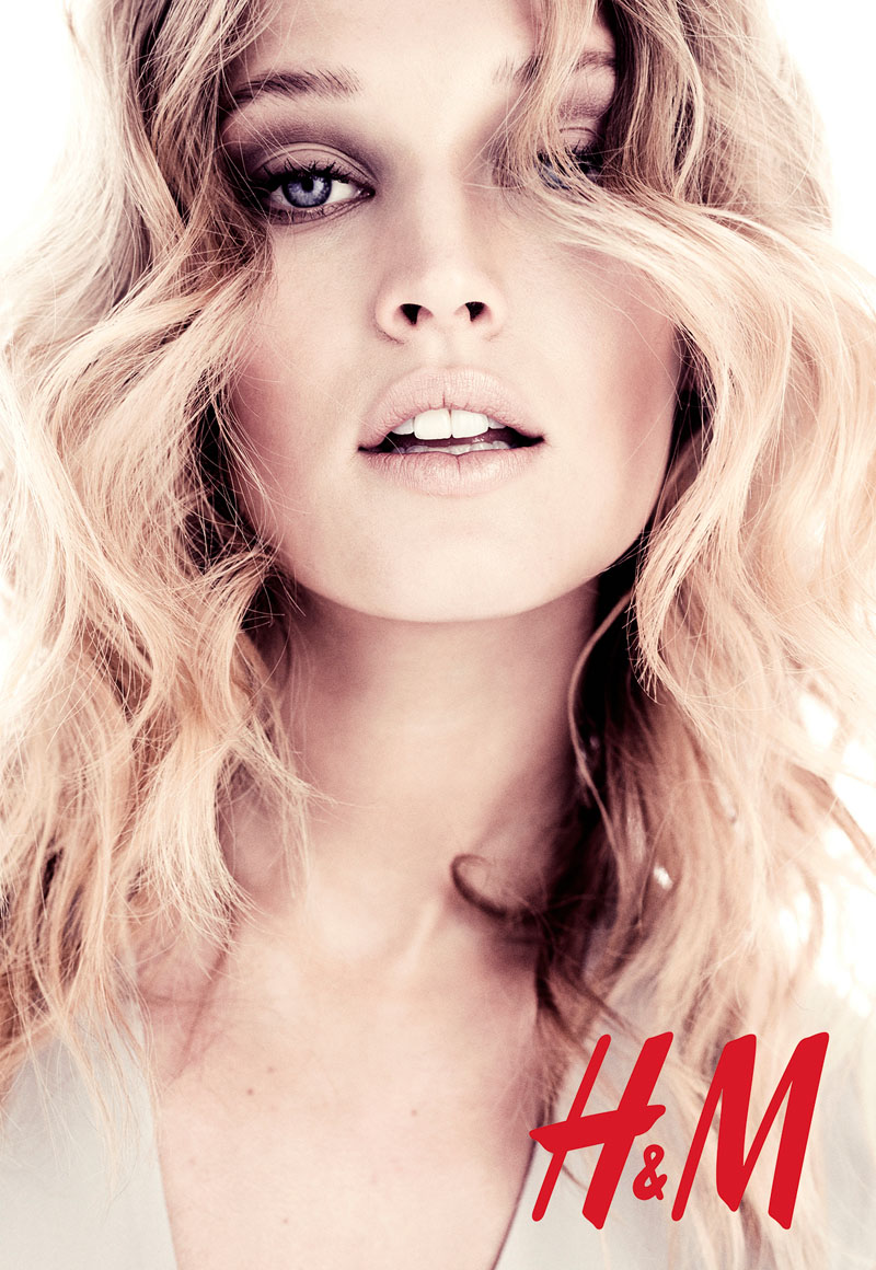 toni hm4 Toni Garrn Poses for H&M Summer Campaign by Honer Akrawi