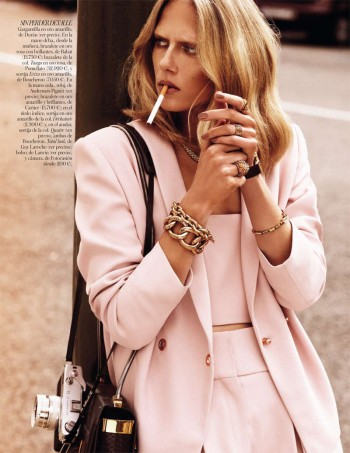 Tosca Dekker Models Street Style for Vogue Spain by Alvaro Beamud Cortes