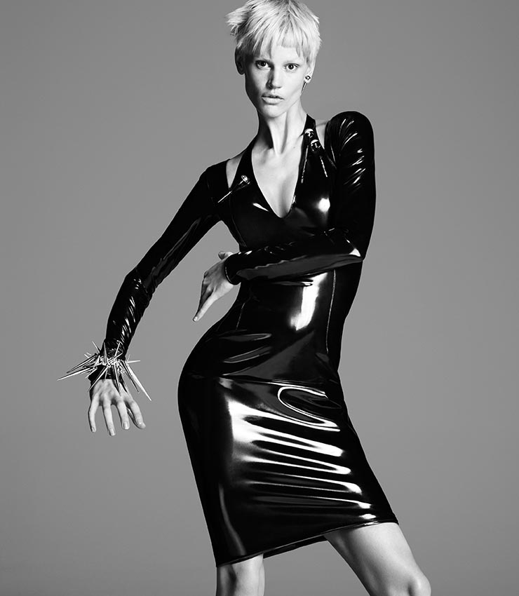 versace fall mert marcus2 More Versace Fall 2013 Ads Starring Kate Moss and Saskia de Brauw