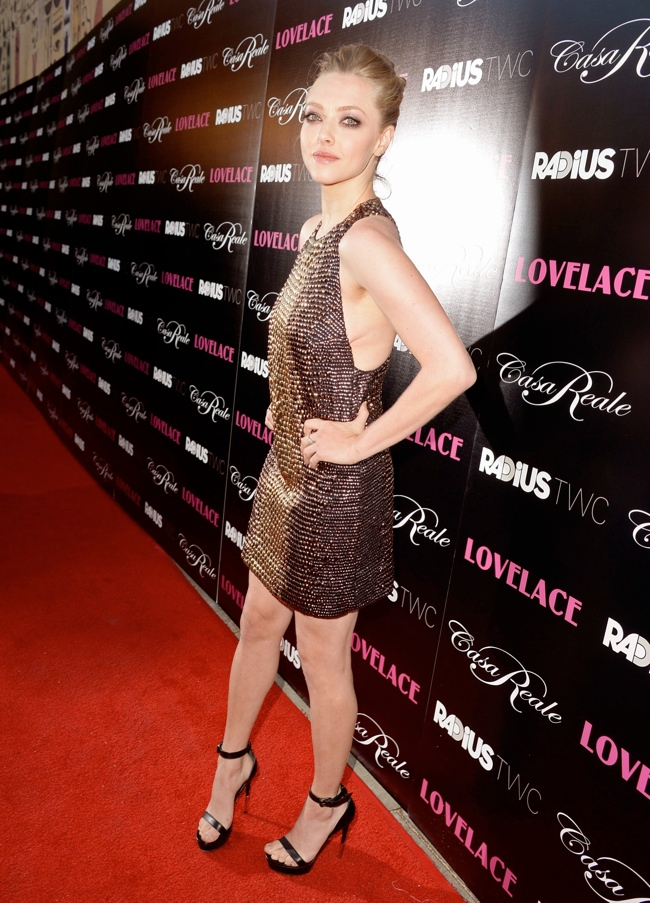 amanda gucci1 Amanda Seyfried Wears Gucci at the Lovelace Hollywood Premiere