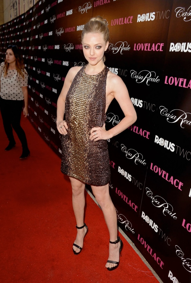 amanda gucci3 Amanda Seyfried Wears Gucci at the Lovelace Hollywood Premiere