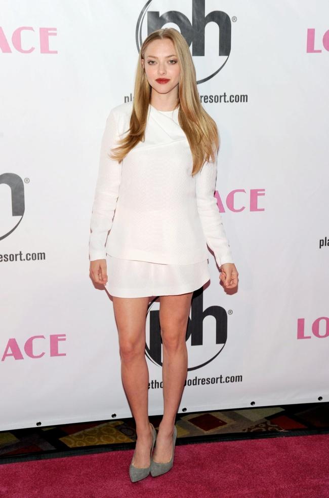 """Amanda Seyfried Wears Stella McCartney to the """"Lovelace"""" Las Vegas Premiere"""
