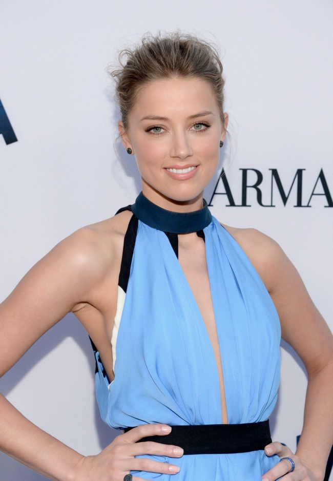 amber heard vionnet1 Amber Heard Wears Vionnet to the Paranoia Los Angeles Premiere