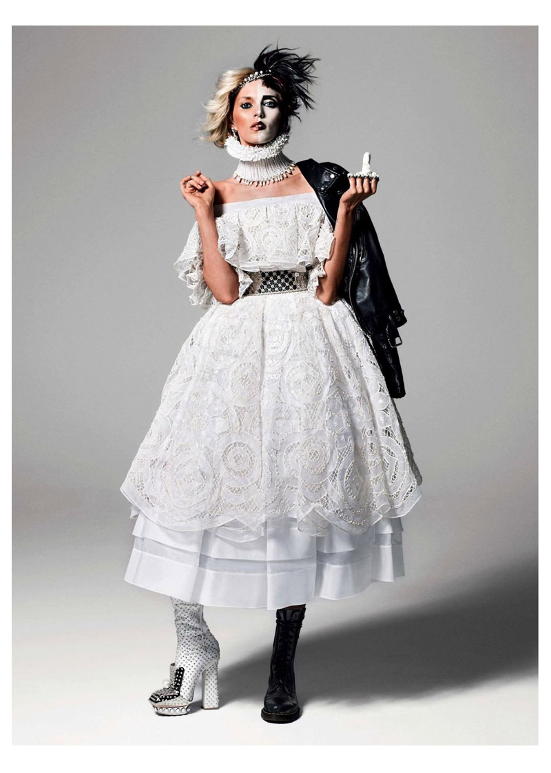anja queen3 Anja Rubik Gets Regal for Vogue Paris Shoot by Inez & Vinoodh