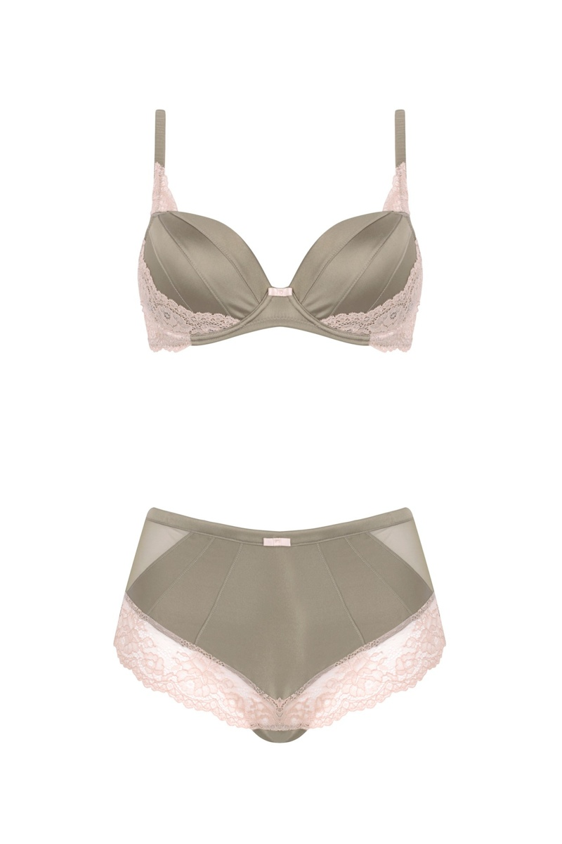 autograph lingerie product2 Rosie Huntington Whiteley Wears Her Autograph Anniversary Line