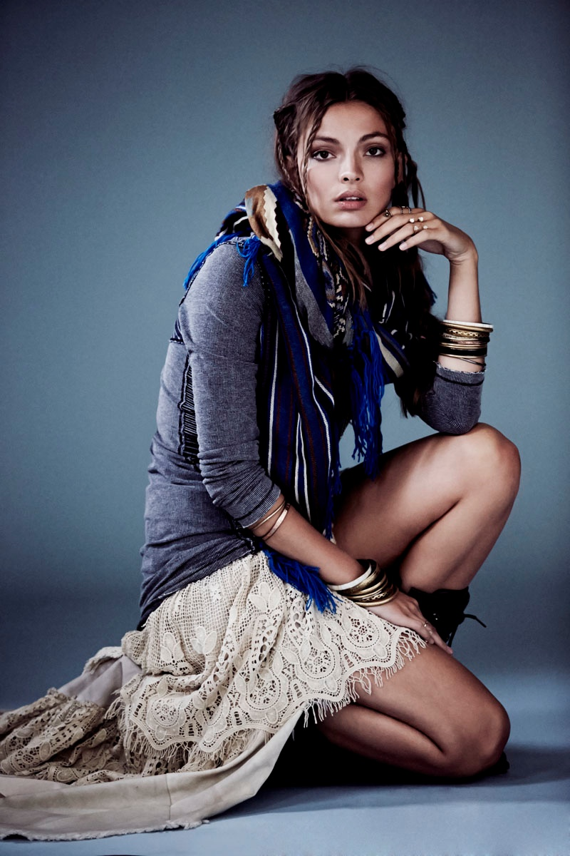 carola remer free people4 Carola Remer Sports Boyish Looks for Free Peoples August Lookbook