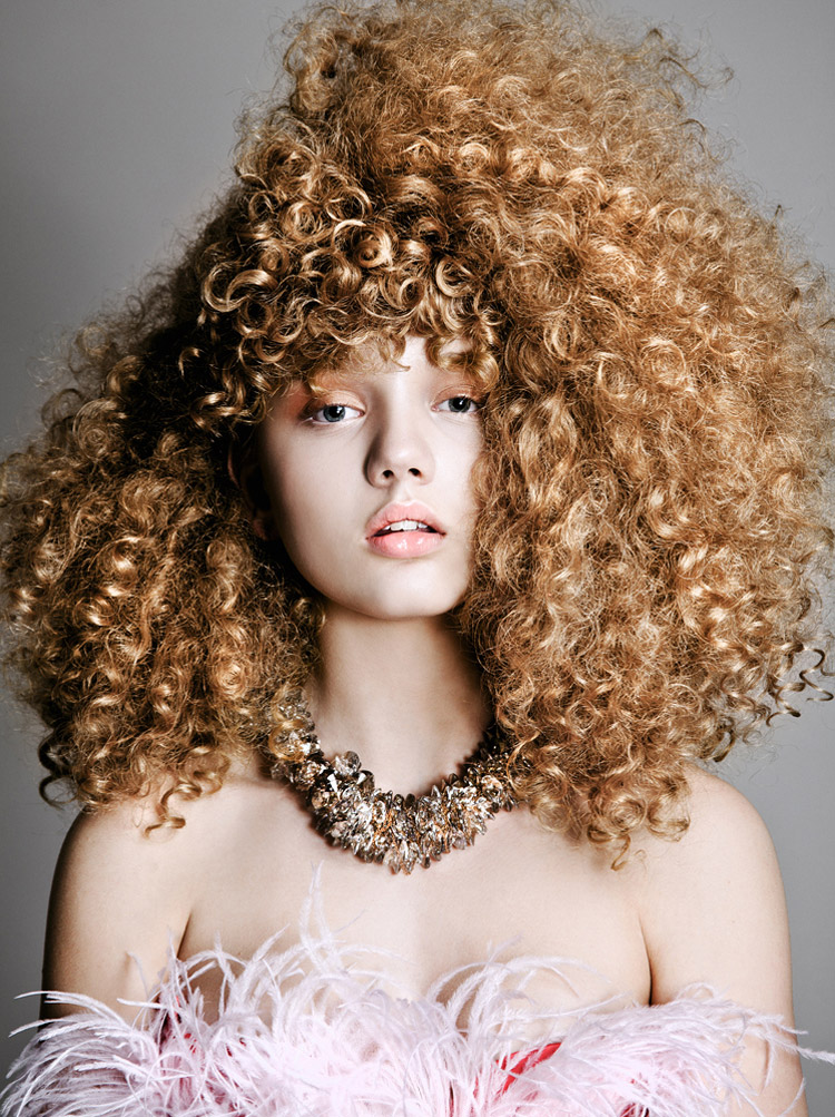 curly hair elle6 Sarah Baumann Models Curly Styles for Elle Bulgaria by Conny Kirste