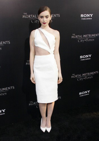 "Lily Collins Wears Cushie et Ochs to the ""Mortal Instruments"" Hollywood Premiere"