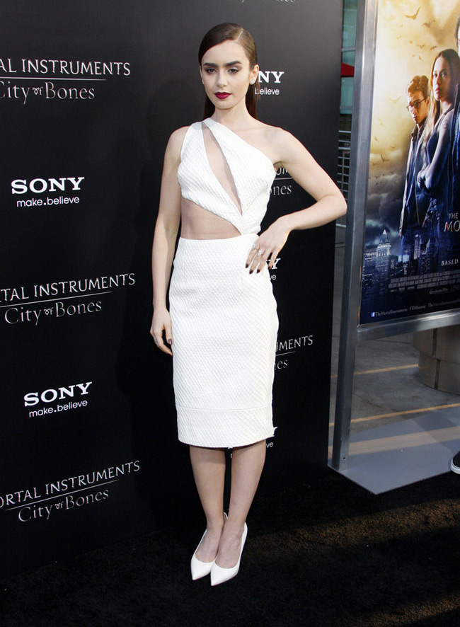 cushie et ochs3 Lily Collins Wears Cushie et Ochs to the Mortal Instruments Hollywood Premiere