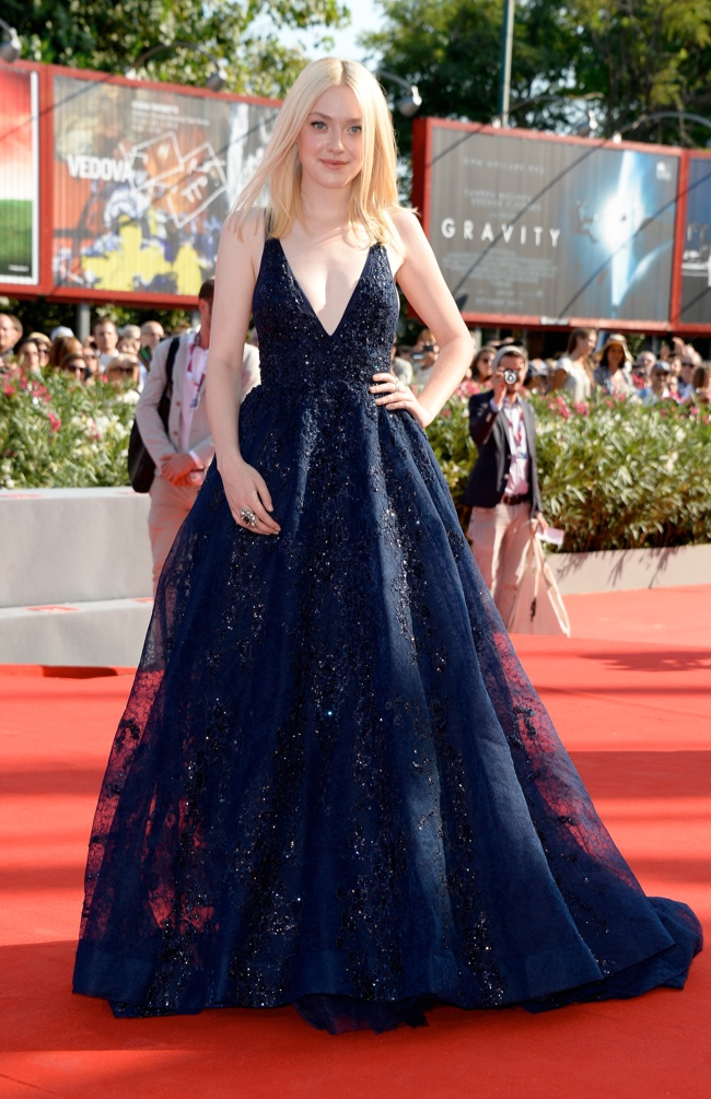 dakota elie saab Dakota Fanning Wears Elie Saab to the 70th Annual Venice Film Festival