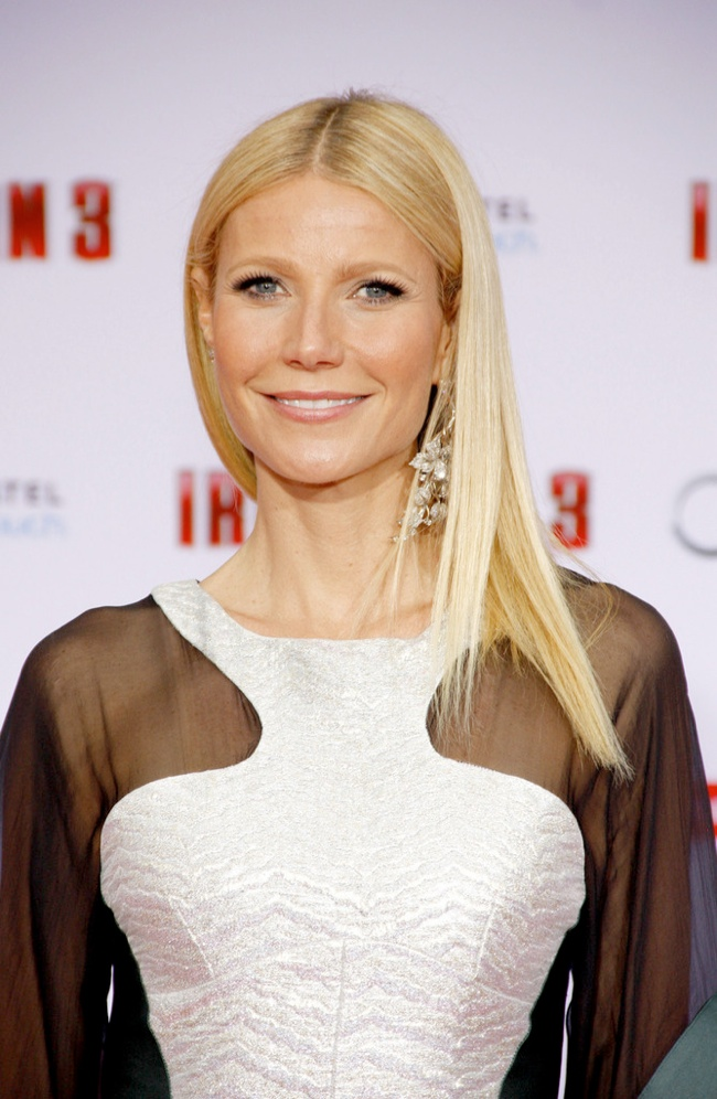 gwenyth paltrow straight long hair 12 Long Hairstyles That Inspire