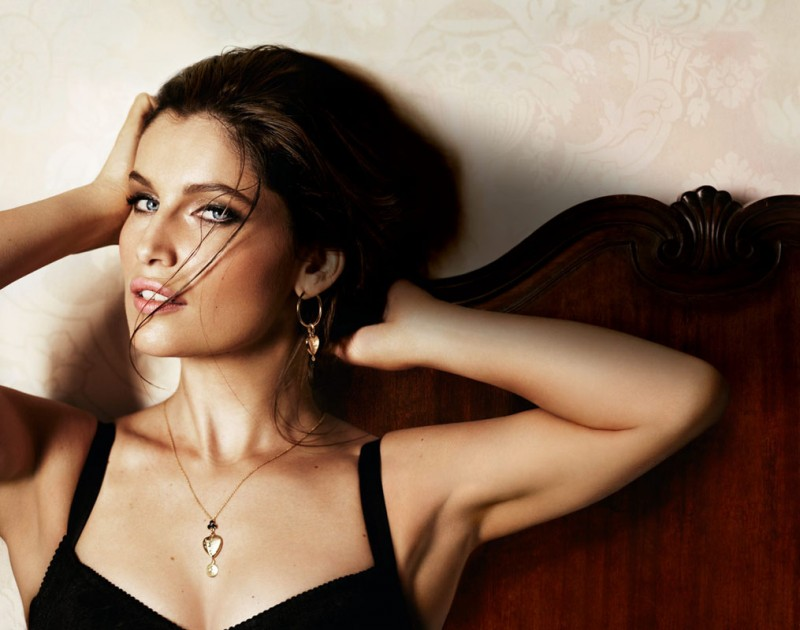 intense fragrance1 800x630 Laetitia Casta Seduces in Dolce & Gabbana Intense Fragrance Ads