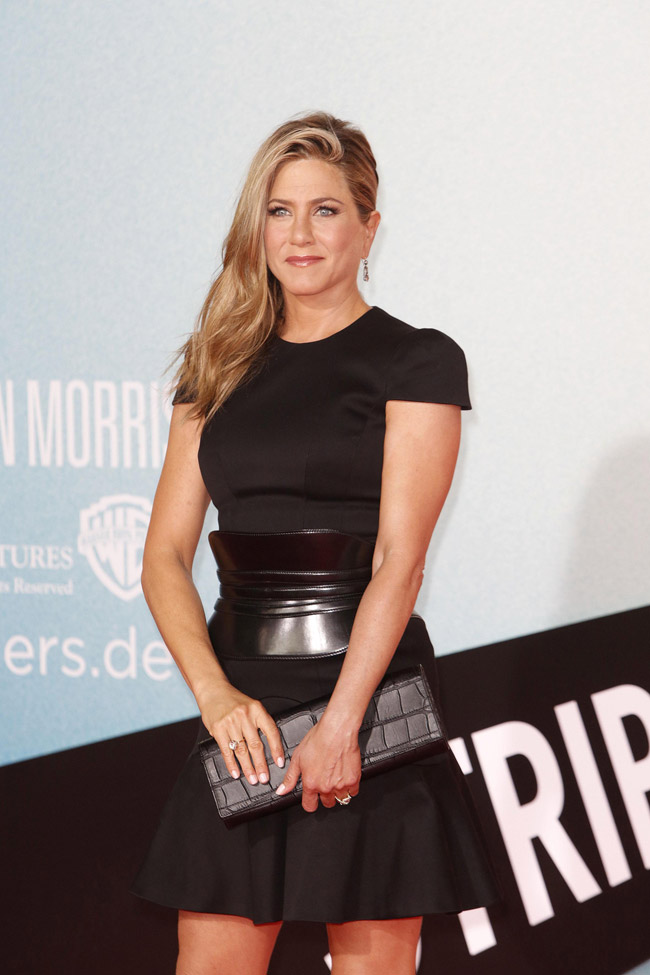 jennifer alexander mcqueen2 Jennifer Aniston Wears Alexander McQueen at the We Are the Millers Berlin Premiere