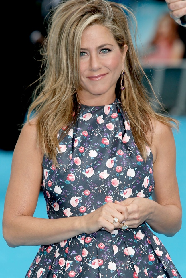 jennifer aniston dior3 Jennifer Aniston Wears Dior at the We Are the Millers London Premiere