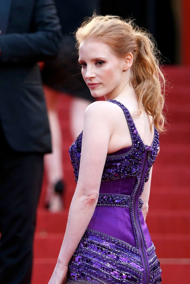 jessica chastain messy ponytail 12 Long Hairstyles That Inspire