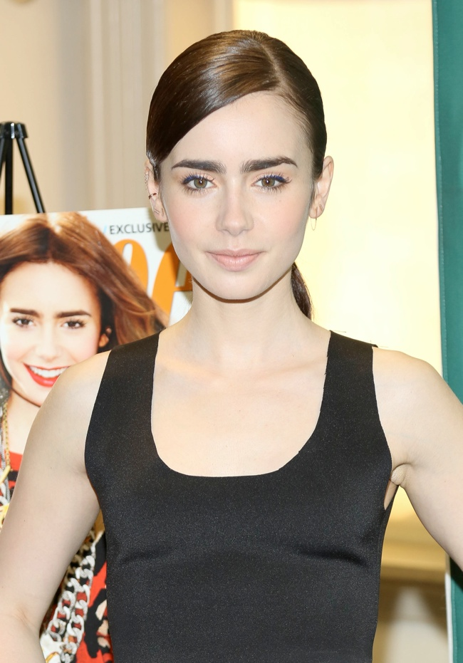 lily collins celine2 Lily Collins Wears Celine at Barnes & Noble Event in New York