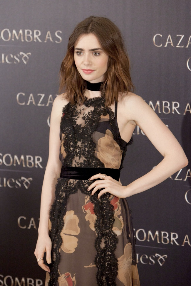 lily dolce gabbana2 Lily Collins Wears Dolce & Gabbana to The Mortal Instruments: City of Bones Madrid Photocall