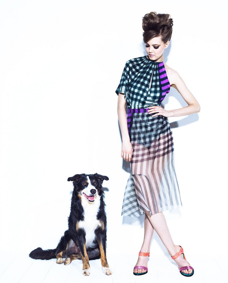 lindsey jacques dequeker2 800x993 Lindsey Wixson Has Canine Co Stars in Vogue Brazil Shoot by Jacques Dequeker