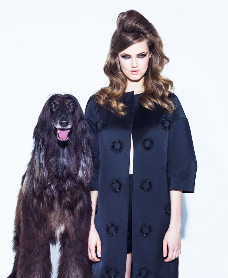 lindsey jacques dequeker9 800x974 Lindsey Wixson Has Canine Co Stars in Vogue Brazil Shoot by Jacques Dequeker