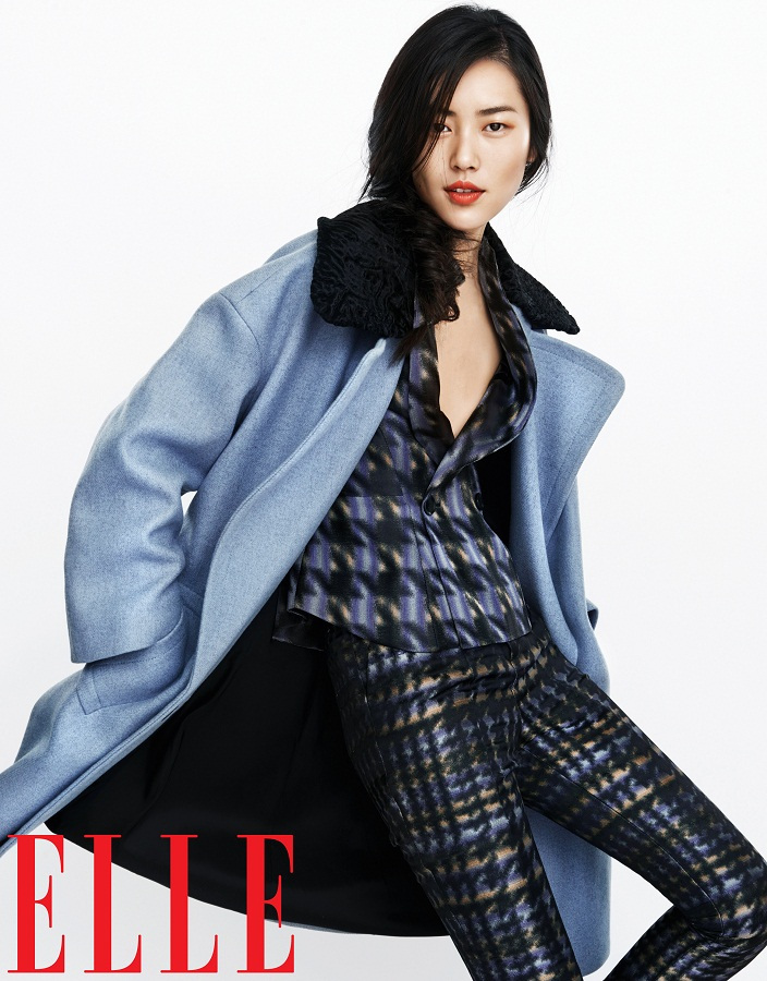 liu wen model2 Liu Wen Models Fall Looks for Elle Chinas September Issue