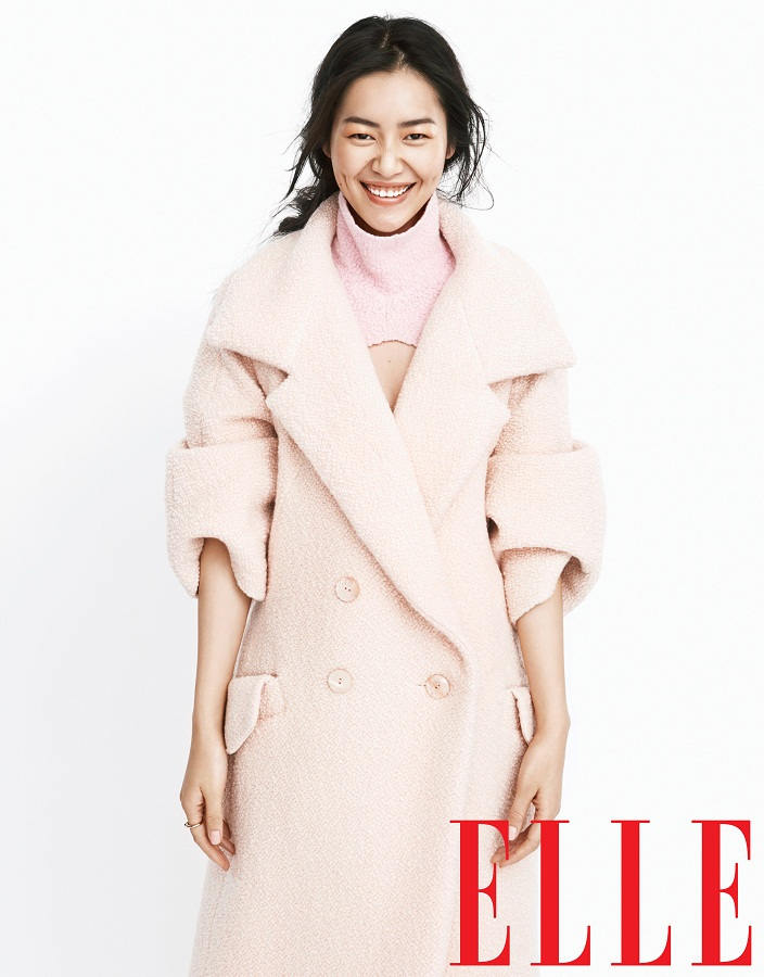 liu wen model4 Liu Wen Models Fall Looks for Elle Chinas September Issue