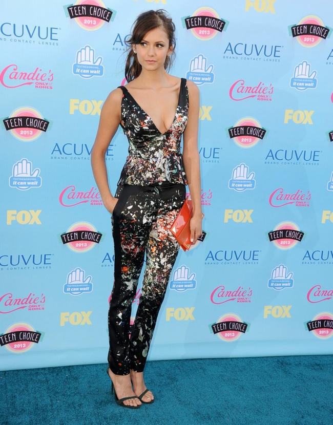 nina dobrev j mendel Miley Cyrus in Saint Laurent, Nina Dobrev in J. Mendel & More Style at the Teen Choice Awards 2013