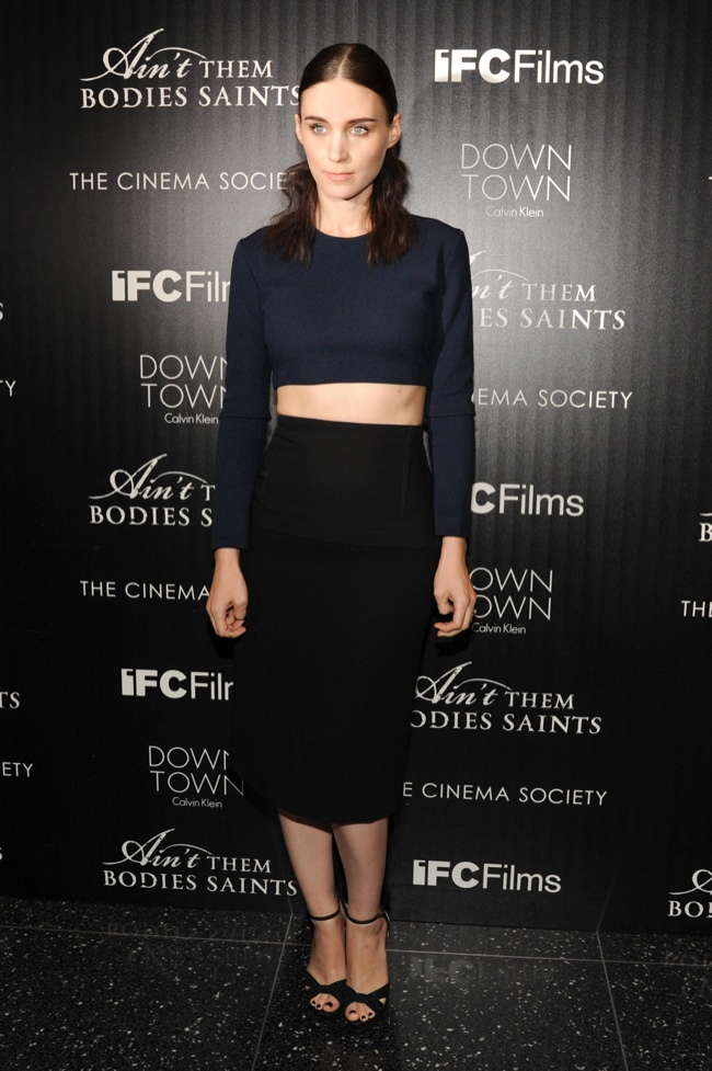 rooney in calvin klein1 Rooney Mara Wears Calvin Klein Collection at Aint Them Bodies Saints Screening