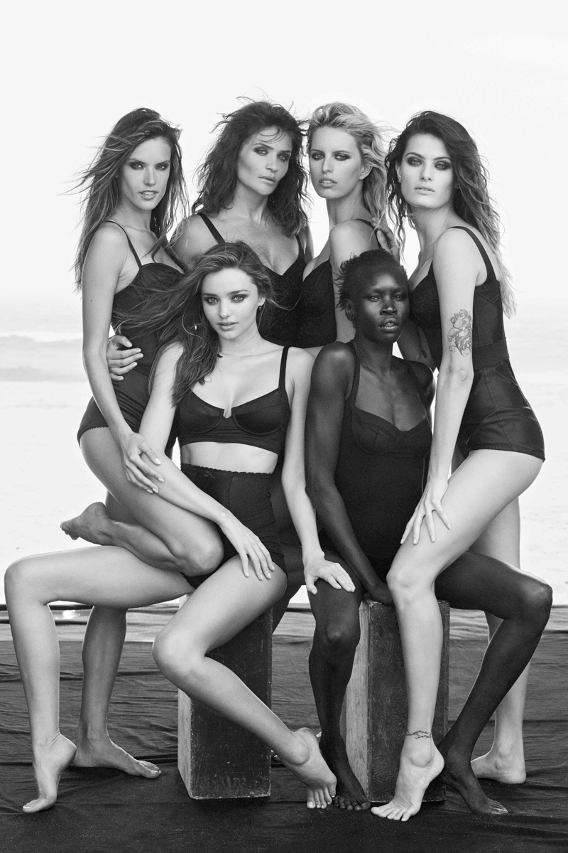 supermodels pirelli1 See a Preview of Pirellis 2014 Calendar Starring Miranda Kerr, Helena Christensen & More