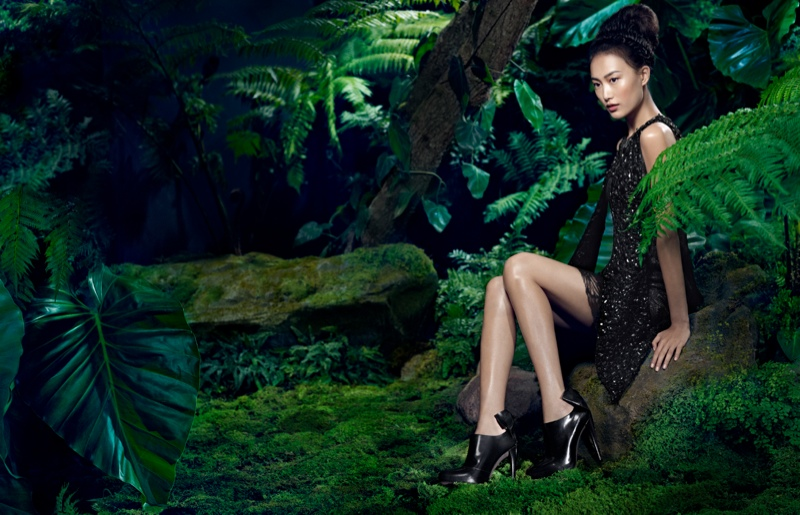 vera wang fall1 Shu Pei Returns for Vera Wangs Fall 2013 Ads