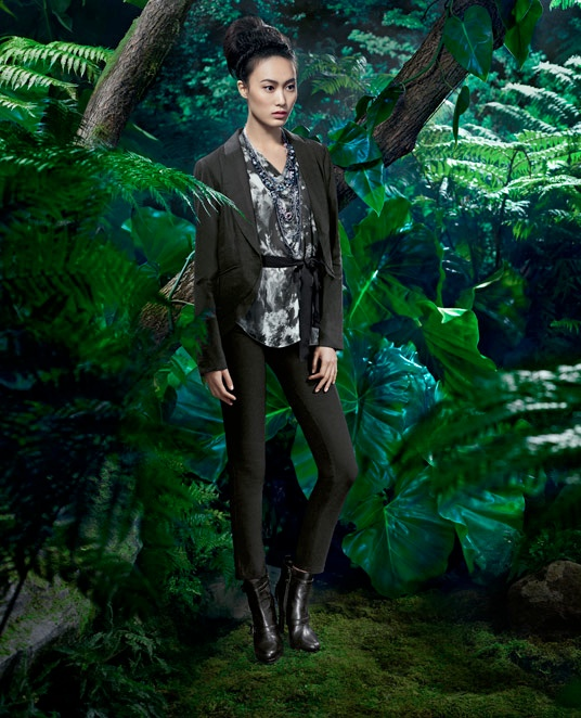 vera wang fall2 Shu Pei Returns for Vera Wangs Fall 2013 Ads