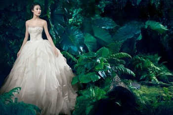 Shu Pei Returns for Vera Wang's Fall 2013 Ads