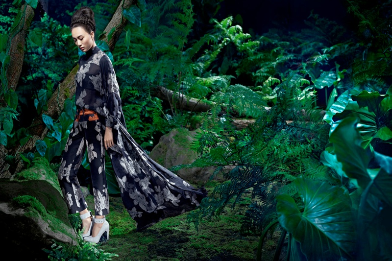 vera wang fall7 Shu Pei Returns for Vera Wangs Fall 2013 Ads