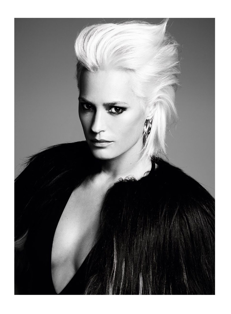 yasmine le bon5 Yasmin le Bon Shows Off Platinum Blonde Look for S Moda Spread