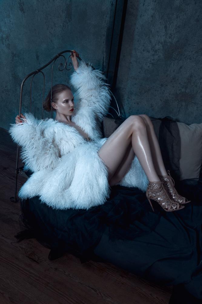Maja Salamon Wears Azzedine Alaia for Viva! Moda by Michelle Du Xuan