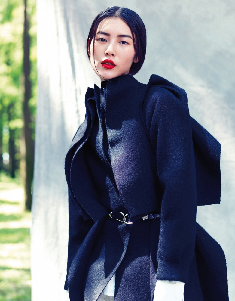 StocktonJohnson LiuWen 3 Liu Wen Poses for Stockton Johnson in Outdoorsy Grazia Shoot