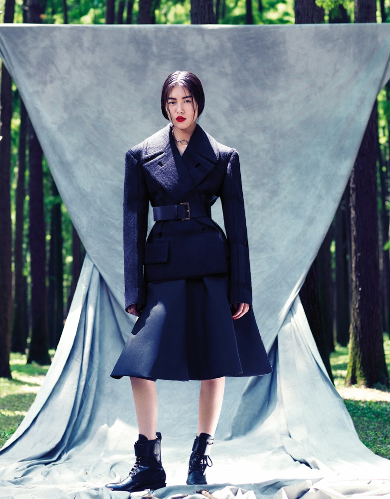 StocktonJohnson LiuWen 6 Liu Wen Poses for Stockton Johnson in Outdoorsy Grazia Shoot