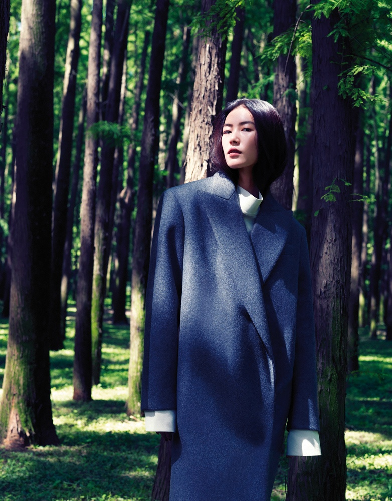 StocktonJohnson LiuWen 8 Liu Wen Poses for Stockton Johnson in Outdoorsy Grazia Shoot