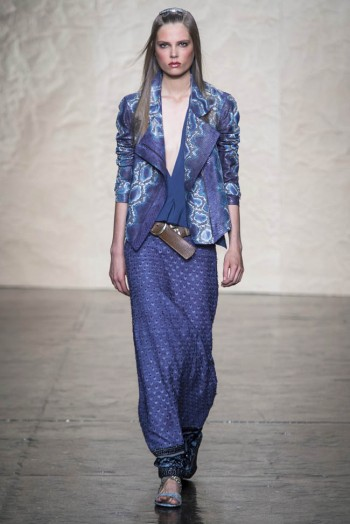 donna karen spring 2014 13 350x524 Donna Karan Spring 2014 | New York Fashion Week