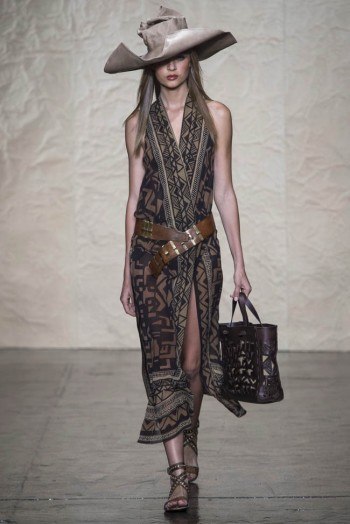 donna karen spring 2014 15 350x524 Donna Karan Spring 2014 | New York Fashion Week