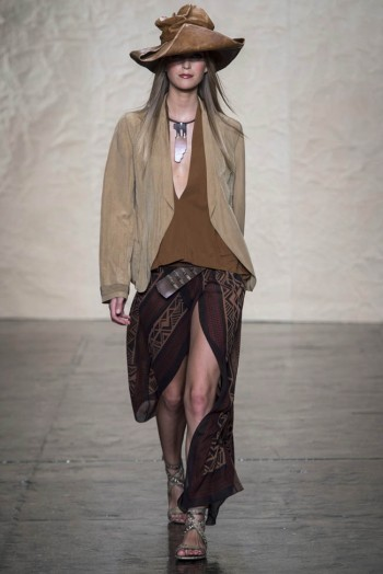 donna karen spring 2014 16 350x524 Donna Karan Spring 2014 | New York Fashion Week