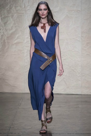 donna karen spring 2014 2 350x524 Donna Karan Spring 2014 | New York Fashion Week