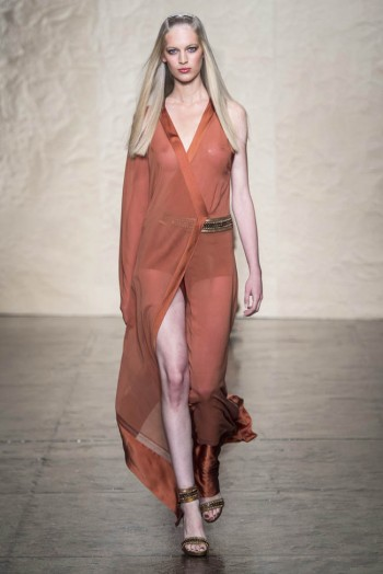donna karen spring 2014 35 350x524 Donna Karan Spring 2014 | New York Fashion Week